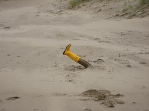 Boot_on_the_beach