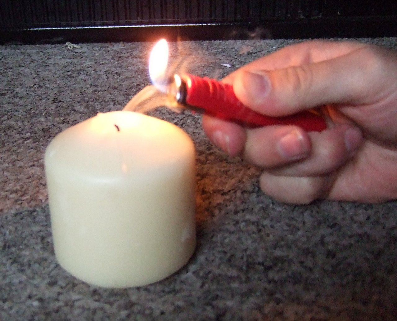Light the smoke coming from the candle