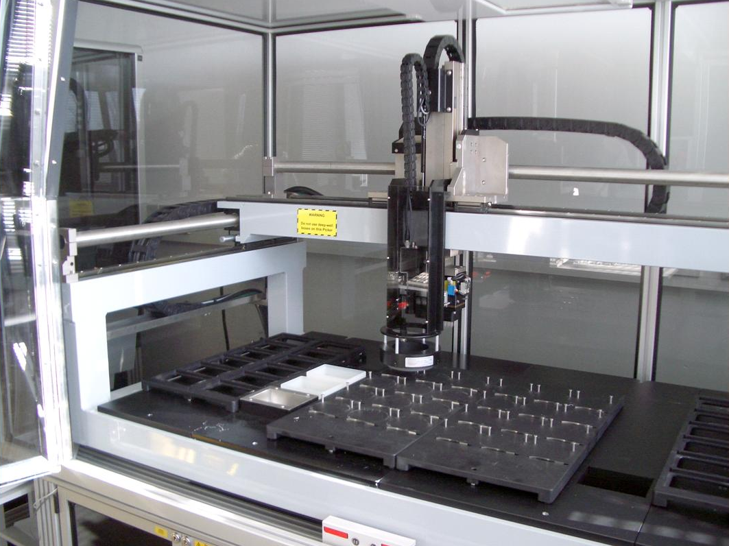 A cell picking robot