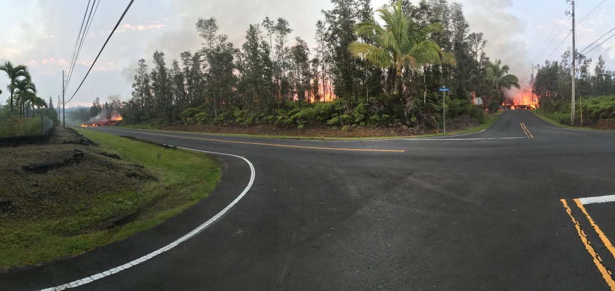 A panoramic view of fissure 7 from the intersection of Leilani and Makamae Streets in the Leilani Estates subdivision. This photo was taken at 06:01 a.m. HST 5th May.