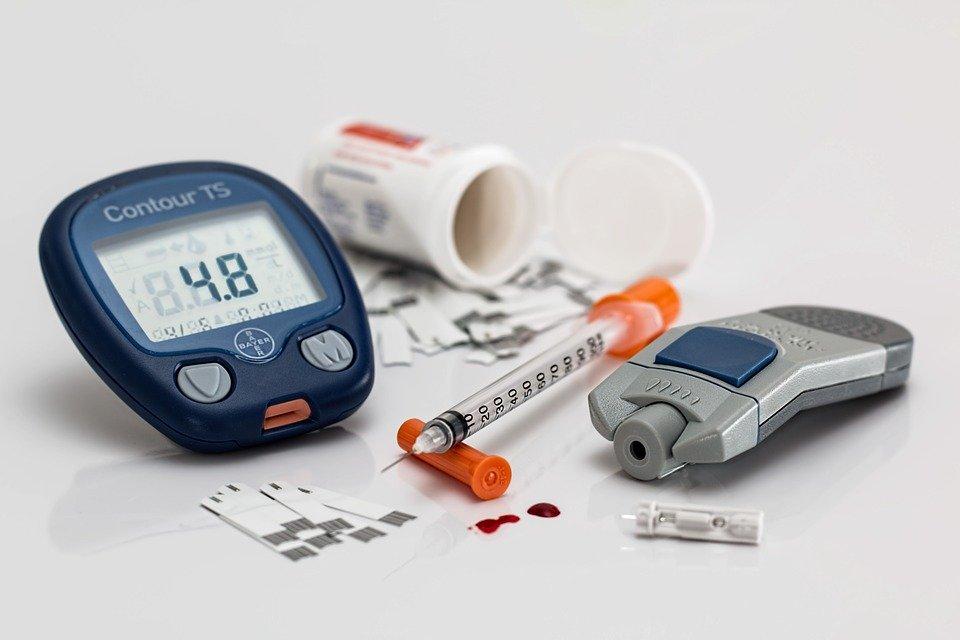 Paraphernalia needed by diabetics to control blood sugar