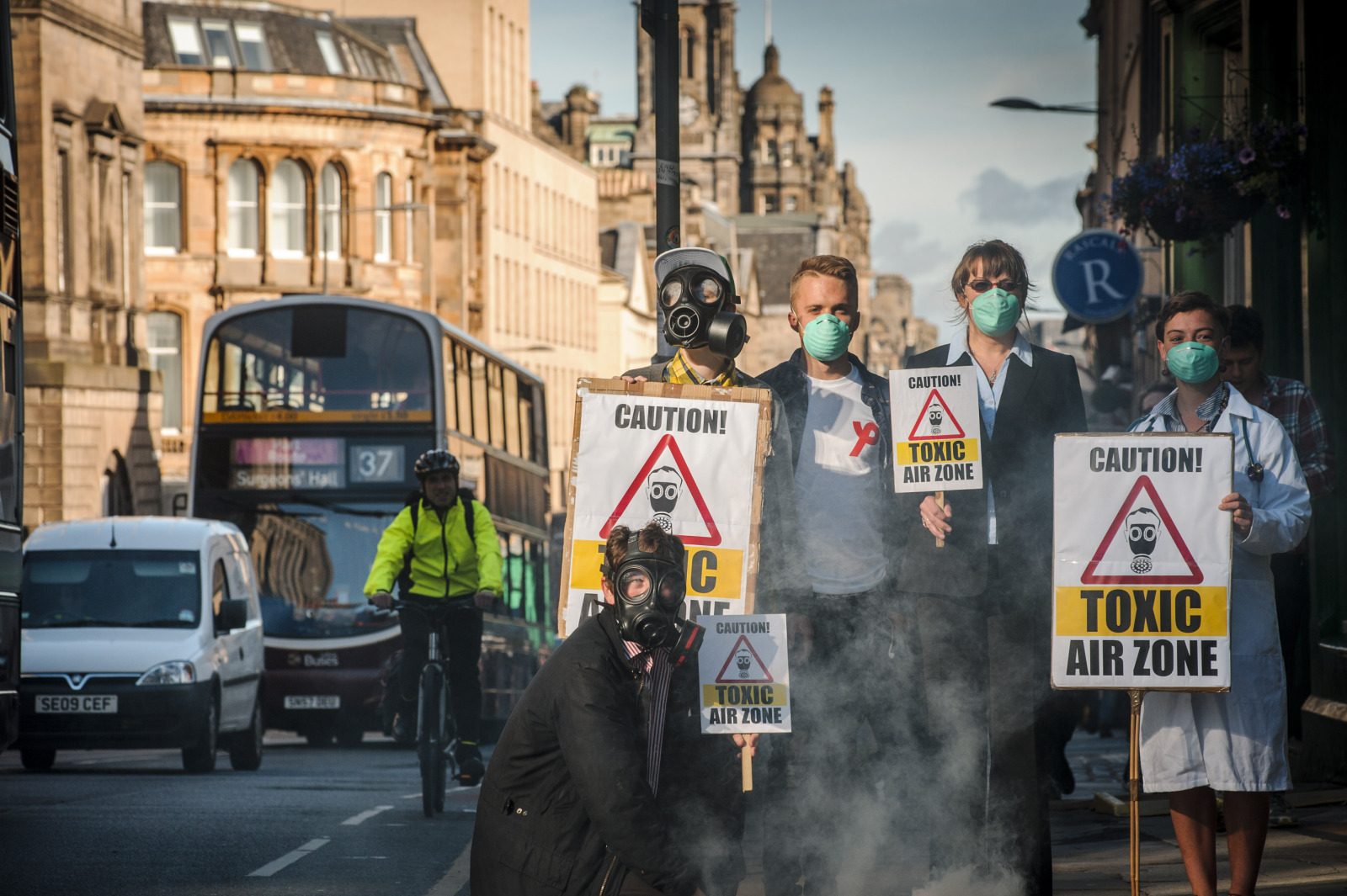 Activists gather to demand clean air as Edinburgh Air Pollution Zone to be expanded.