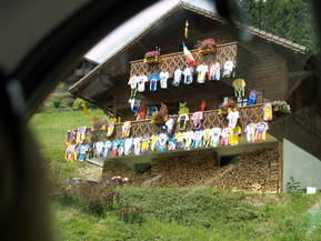 TdF Route decorated House
