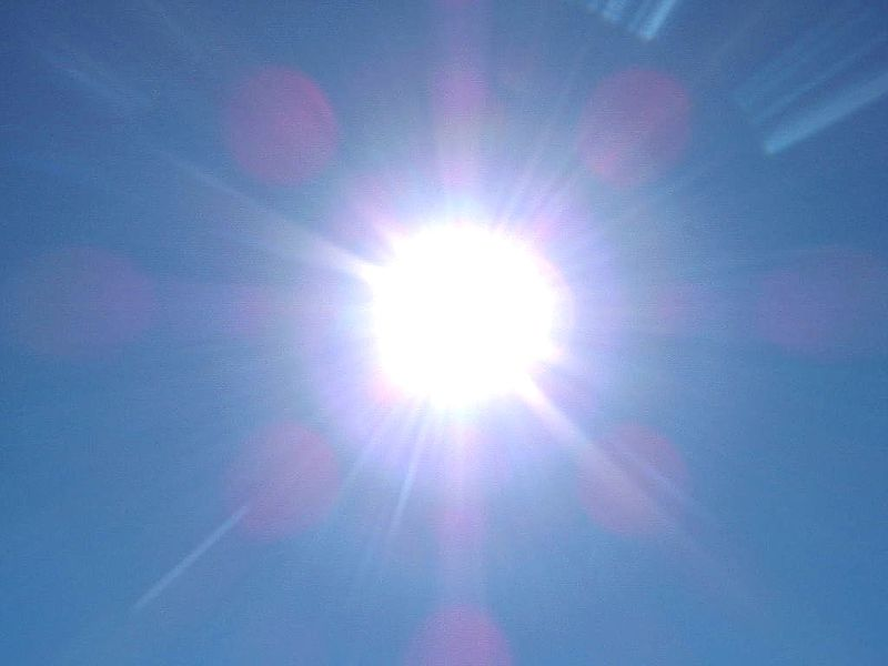 Heat generated from the nuclear fusion in the Sun