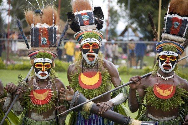 Papua New Guinea tribal dancers