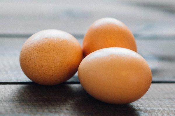 Hens eggs