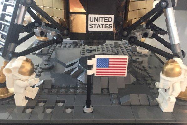 Two Lego figures of the moon landing