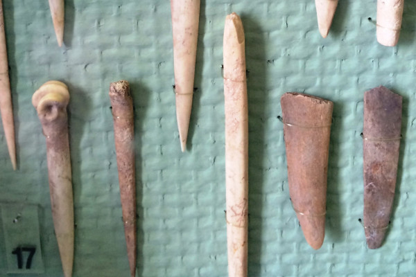 "English: Bone Tools from the ""Transdanubian"" linear pottery culture period in Hungary, between 5400 BC and 4000 BC. Found near Budapest."