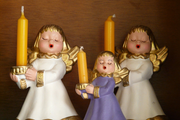 Singing cherubs