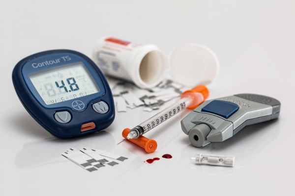Paraphernalia needed by diabetics to control blood sugar