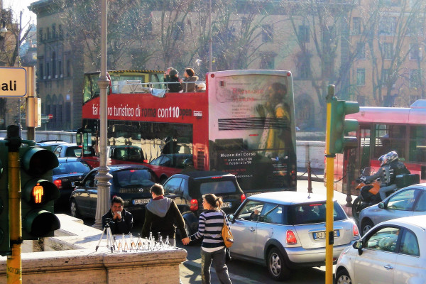 Busy, noisy streets in Rome