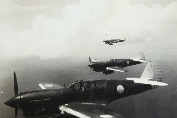 Three WW2 planes in formation