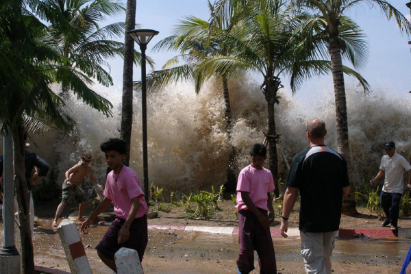 Tsunami hits Thailand in 2004