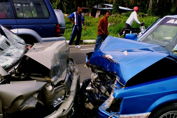 An image of a car crash