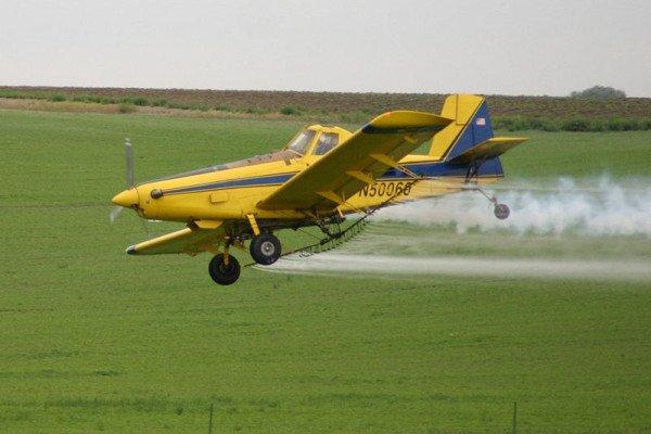 An 'air tractor' spraying crops