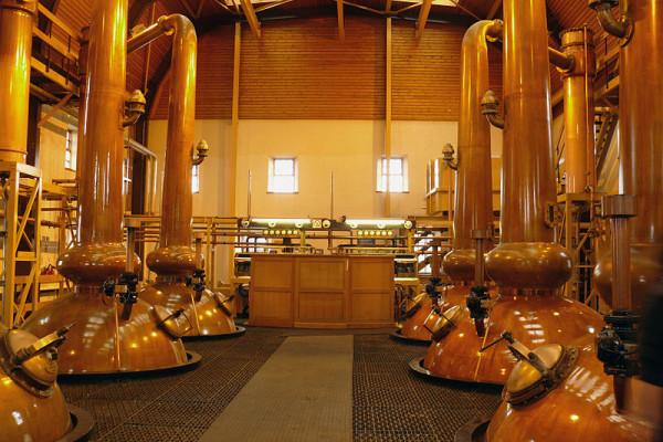 Glenmorangie whisky distillery stills