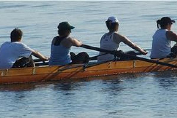 Toronto female rowing team