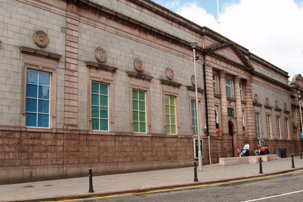 Aberdeen Art Gallery, picture taken from Schoolhill