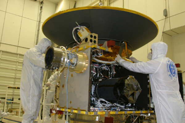 New Horizons Probe being built