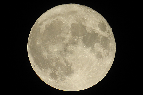 Photograph of a full moon, viewed from the Earth