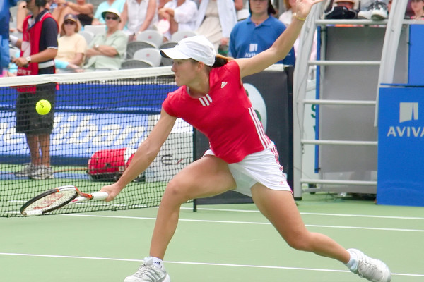 Justine Henin at the 2006 Medibank Tennis International on 12 January 2006