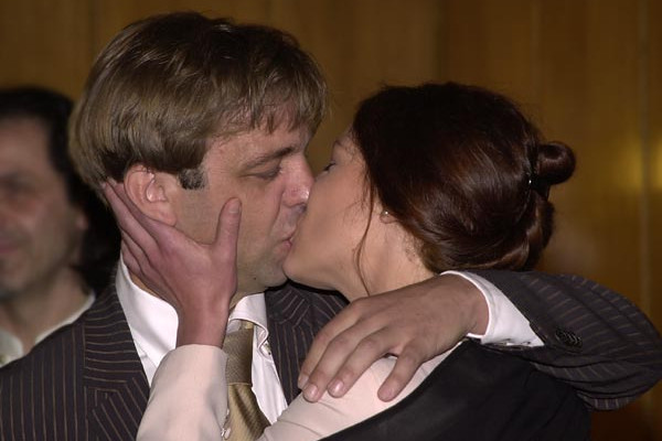 A romantic kiss