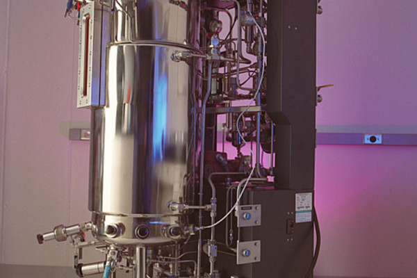 Bioreactor for cellulose and ethanol