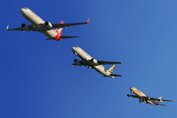 3 passenger aircraft in convoy
