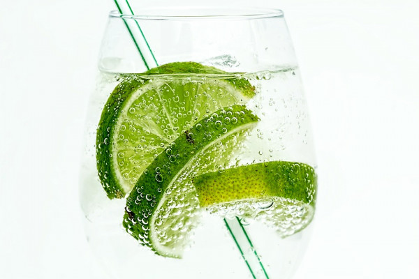 Slices of lime in soda water