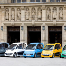 Microcabs – Hydrogen fuel cell cars – in a postal service trial at the University of Birmingham's Centre for Hydrogen and Fuel Cell Research.