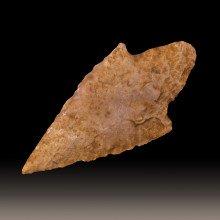 Neolithic arrowhead from Saint-Léons, Aveyron, France