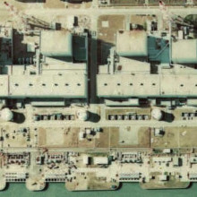 Fukushima I Nuclear Power Plant. Tight crop showing reactors 4, 3, 2 and 1, reading left (South) to right (North). Area shown is approximately 600 by 350 metres. Made based on [http://w3land.mlit.go.jp/WebGIS/ National Land Image Information (Color...