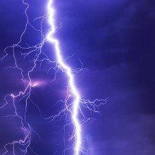 Lightning bolt in the sky