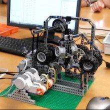 Lego steam engine model with govener feedback