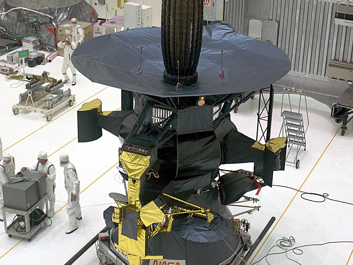 galileo space probe pics - 792×445